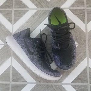 NWOT Nike Flyknit Free Run Sneakers Purple Black